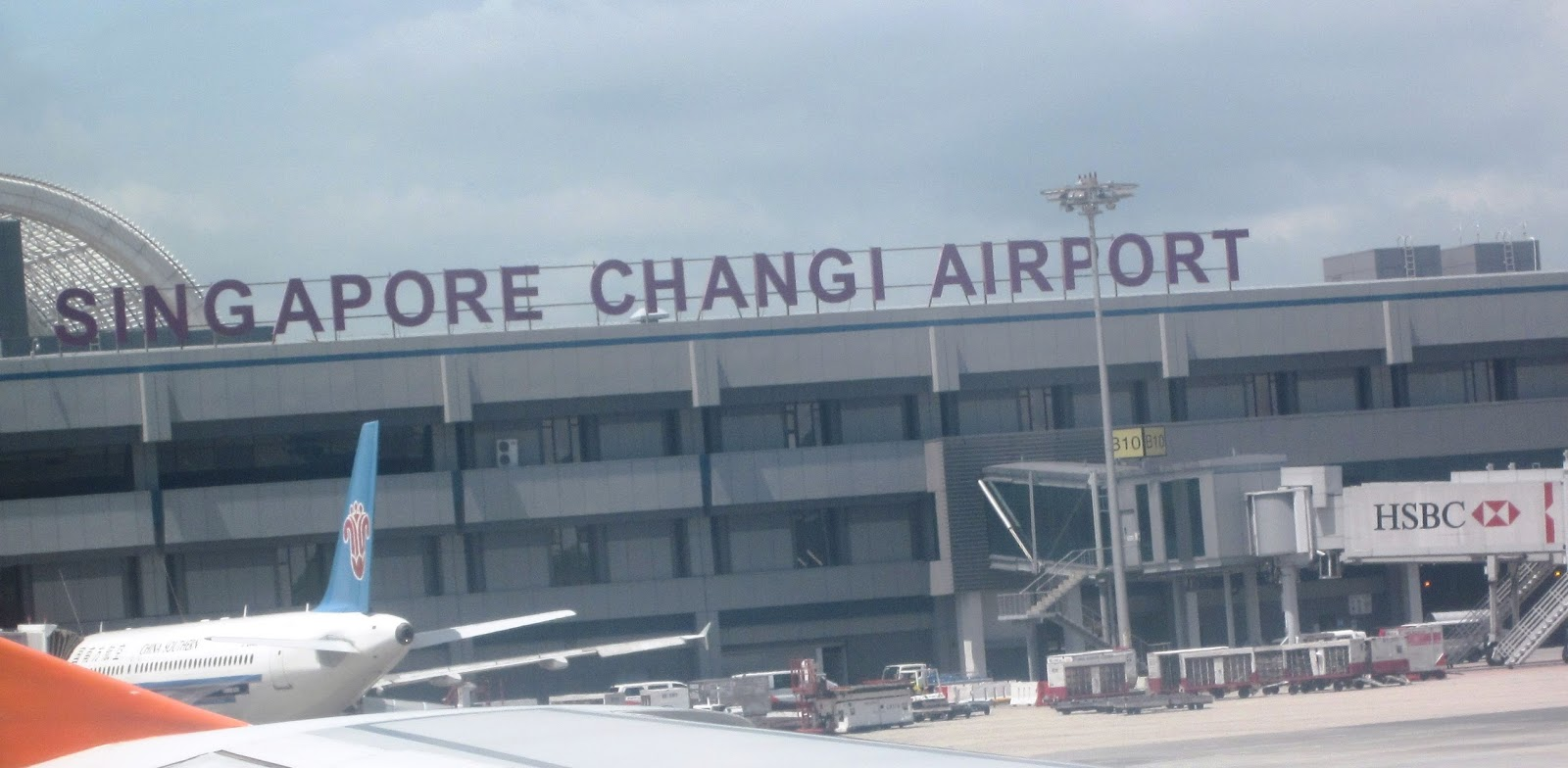 Express delivery services from Hanoi to Singapore