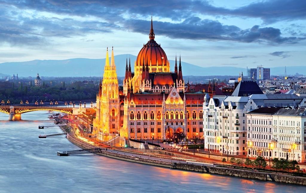 Chuyển phát nhanh quà tết đi Hungary